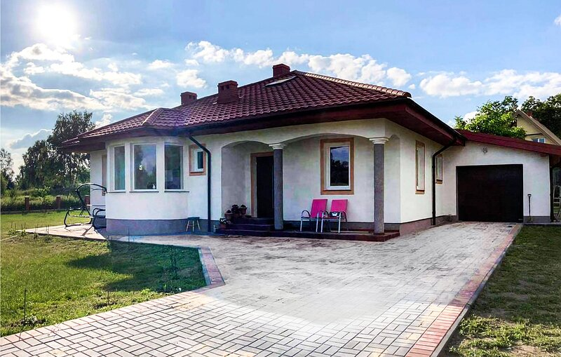 Awesome home in Grunwald with 3 Bedrooms (PMA847), location de vacances à Wysoka Wies