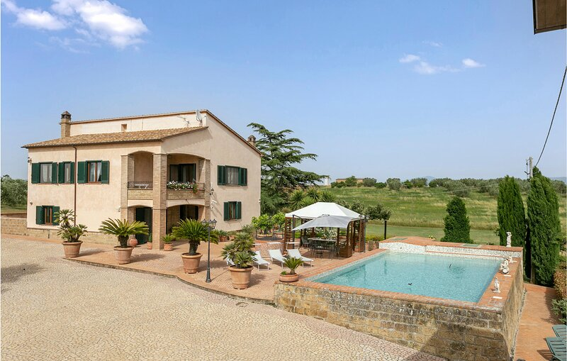 Amazing home in Tuscania with Outdoor swimming pool, Sauna and WiFi (IRU390), holiday rental in Canino
