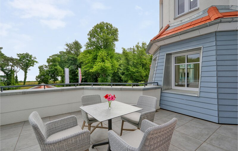 Amazing apartment in Boltenhagen with WiFi and 2 Bedrooms (DMK821), holiday rental in Tarnewitz