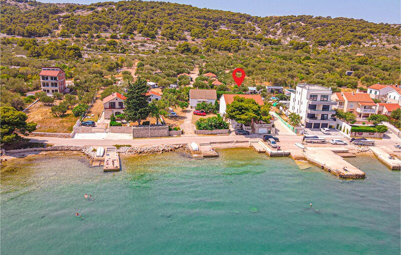 Nice home in Betina with WiFi and 2 Bedrooms (CDV478), holiday rental in Betina