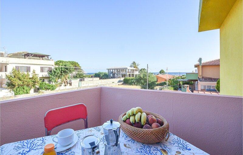 Stunning apartment in Solanas with 2 Bedrooms (IGC107), location de vacances à Solanas