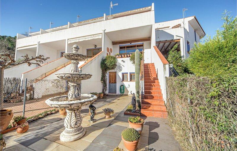 Nice home in Aín with 3 Bedrooms (EBA233), alquiler vacacional en Viver