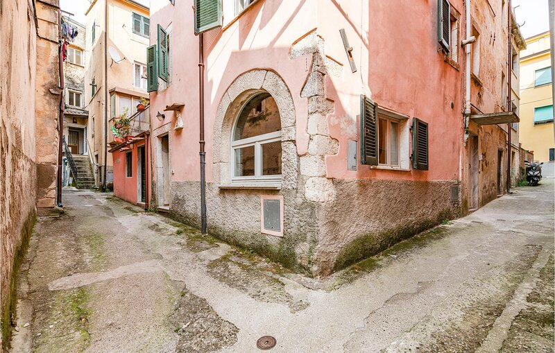 Beautiful home in Bedizzano with WiFi and 2 Bedrooms (ITV023), holiday rental in Miseglia