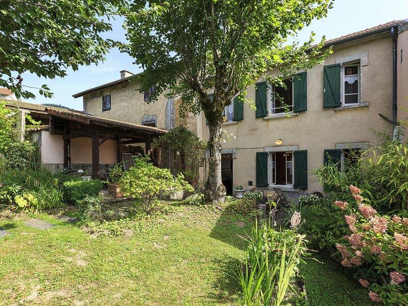 Le Sapin Bleu, holiday rental in Saint-Bonnet-le-Courreau