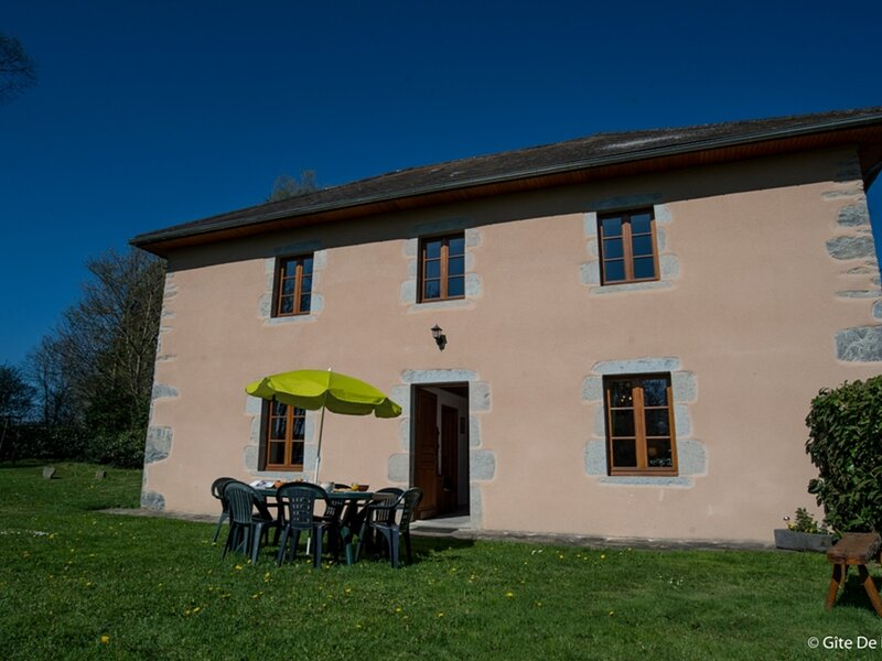 GITE CHENERAILLES, holiday rental in Giat