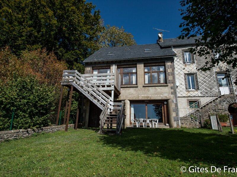 Location Gîte Espinchal, 4 pièces, 5 personnes, holiday rental in La Godivelle