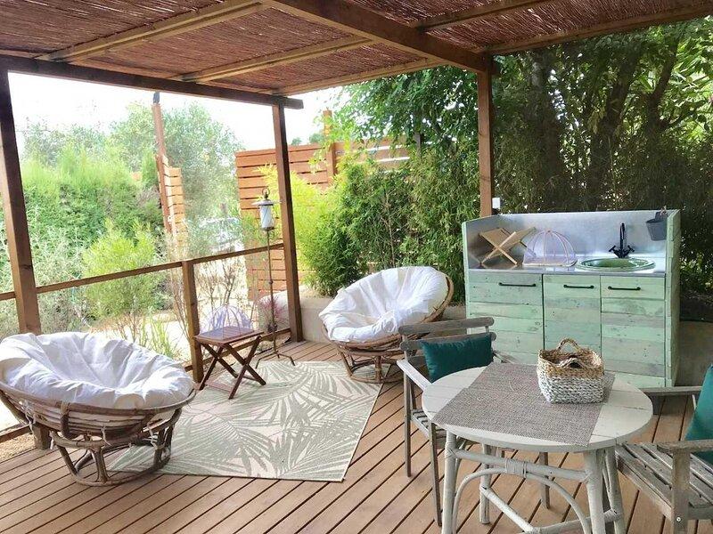 Rural space surrounded by nature with pool, alquiler de vacaciones en Vall-Llobrega