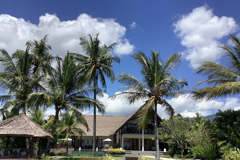 Beach villa Sungai Raja Bali, holiday rental in Kalisada