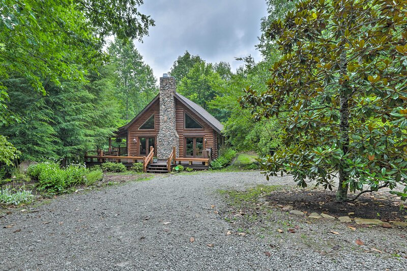 NEW! Coalmont Cabin < 10 Miles to Hiking & Fishing – semesterbostad i McMinnville