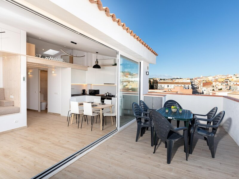 Flat carefully designed to fall in love with SFG, holiday rental in Sant Feliu de Guixols