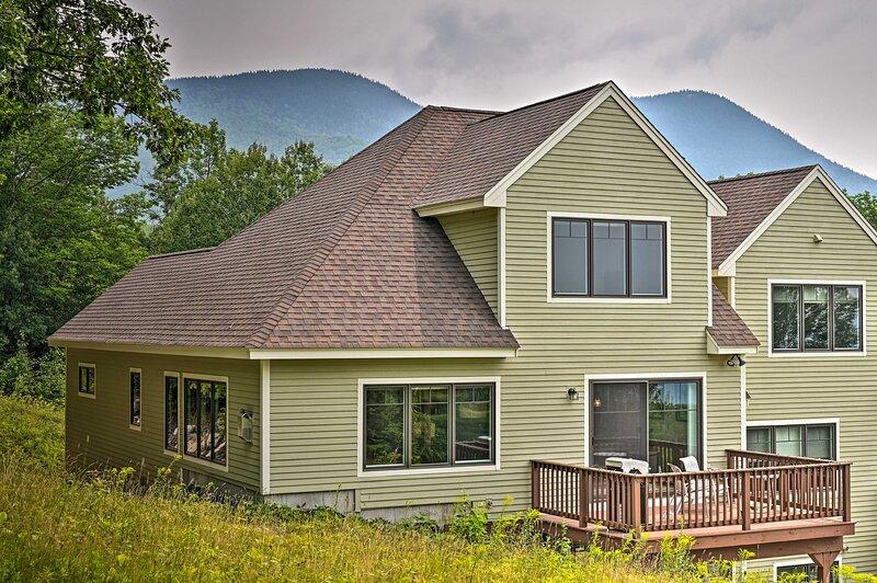 NEW! All-Season Slopeside Chalet on Black Mountain, casa vacanza a Jackson