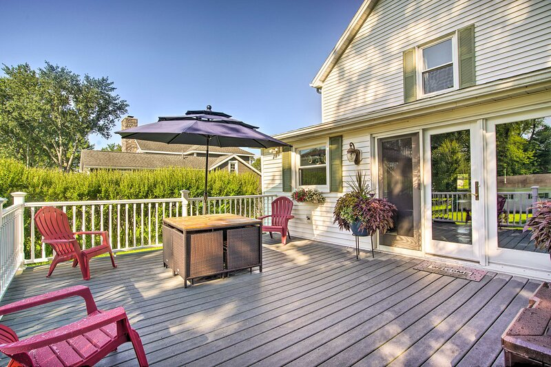 NEW! Lake Chautauqua Home < ½ Mile to Town & Water, holiday rental in Cherry Creek