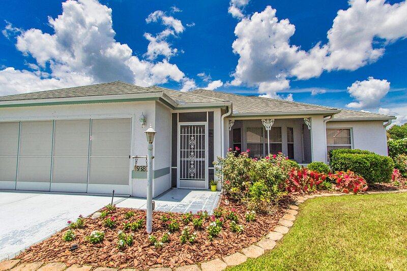 Villages FL vacation home with pool and golf cart – semesterbostad i Ocklawaha