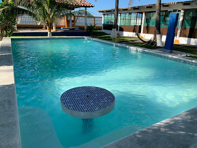Beautiful beach front rancho near surfing spots and international airport, vacation rental in El Tunco