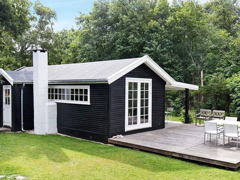 Gorgeous Holiday Home in Gilleleje with Terrace, holiday rental in Gilleleje
