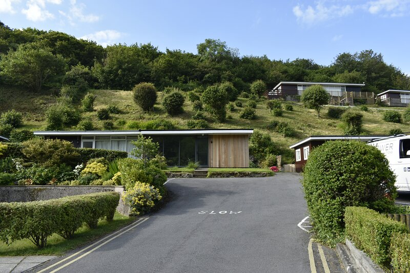 Cosy, Modern Chalet Caswell, Gower Peninsula, vacation rental in Parkmill