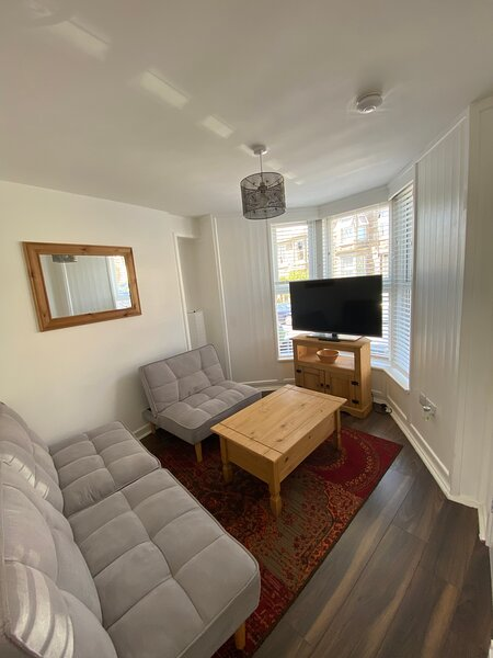 Penzance Entire 3 bedroom townhouse, holiday rental in New Mill