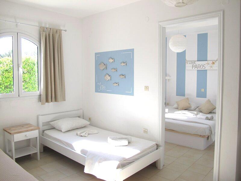 cafe del mar studios paros, holiday rental in Agios Charalampos