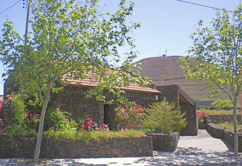 Casa Rural Aborigen Bimbache, vacation rental in Isora