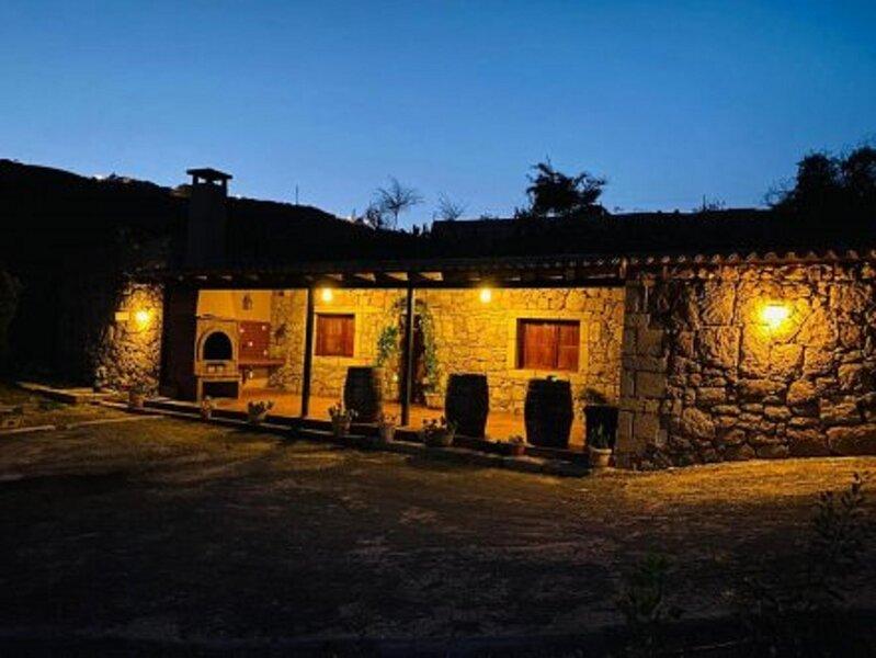 Finca Rural Casa Del Olivo en Arico tenerife Sur, vacation rental in Chimiche