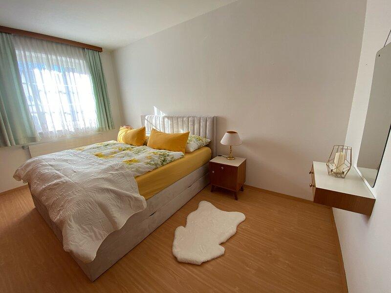 ALTSTADT-APARTMENTS Wohnung 88m² - OG1 – zentral, gediegen, komfortabel, holiday rental in Trautmannsdorf in Oststeiermark