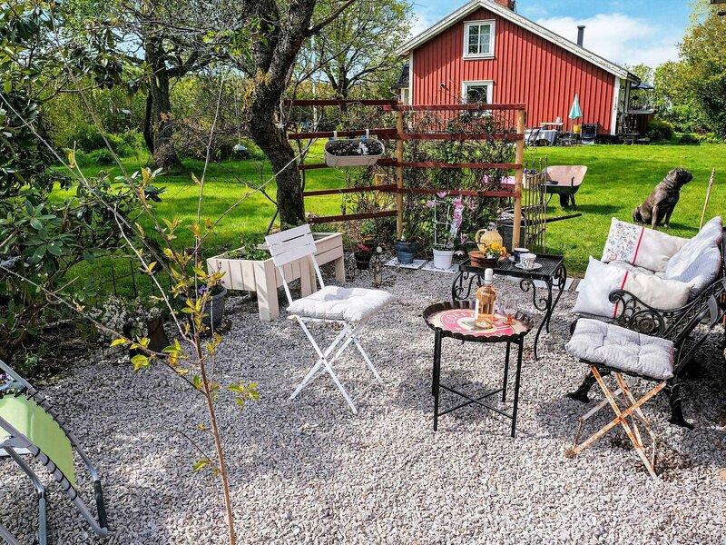 5 person holiday home in TOSTARED – semesterbostad i Fjärås
