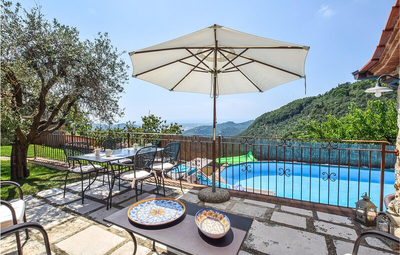 Amazing home in Greppolungo with Outdoor swimming pool and 2 Bedrooms (ITV028), holiday rental in Stazzema