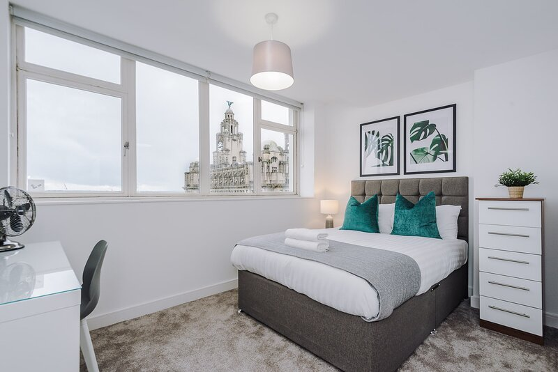 Penthouse Apartment with Stunning Views - Central Liverpool!, alquiler de vacaciones en New Brighton