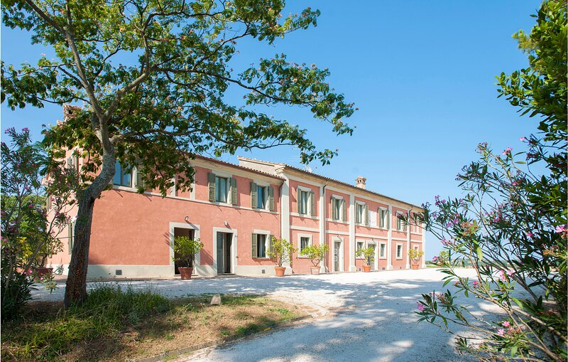 Stunning apartment in Pesaro with WiFi and 6 Bedrooms (IMK262), holiday rental in Trebbiantico