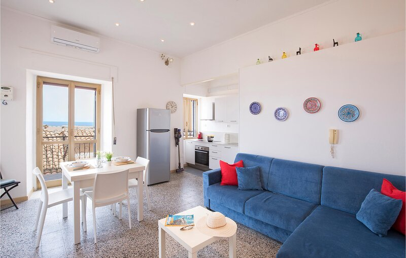 Awesome apartment in Pizzo with Outdoor swimming pool, WiFi and 2 Bedrooms (IKK5, vacation rental in Vibo Marina