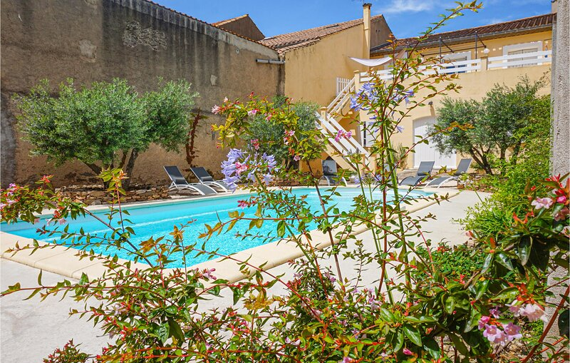 Awesome home in Olonzac with Outdoor swimming pool, Outdoor swimming pool and 3, holiday rental in Olonzac