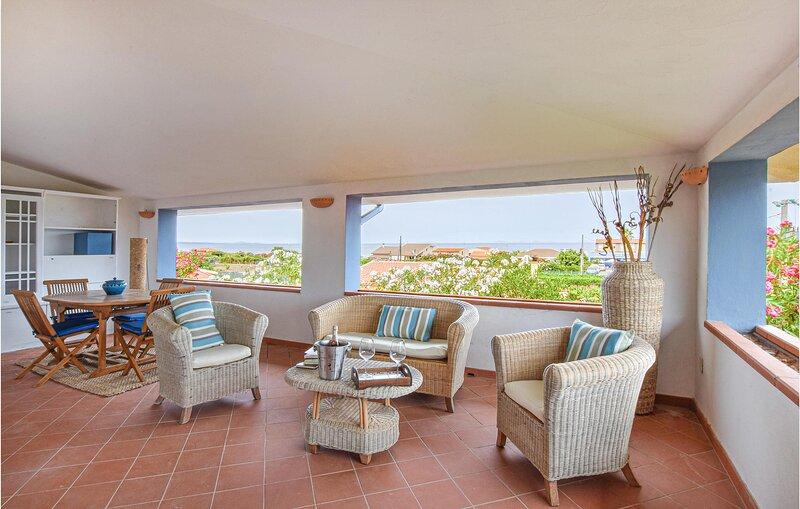 Beautiful apartment in Sorso with 3 Bedrooms (IGG255), casa vacanza a Sorso