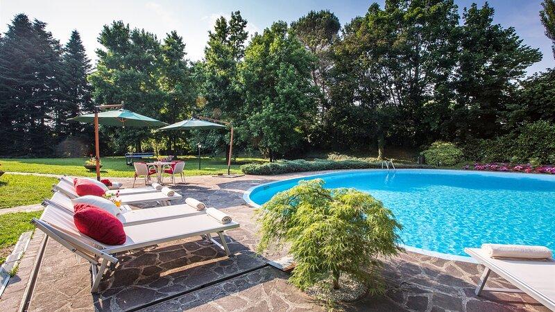 EV-EMMA245 - Villa Pina 8+2, holiday rental in Madone
