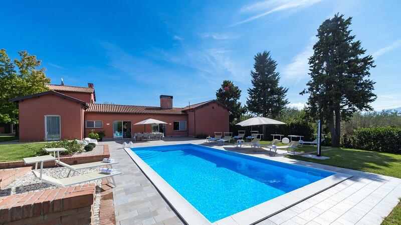 EV-EMMA241 - Villa Ninetta 10+1, holiday rental in Giulianova