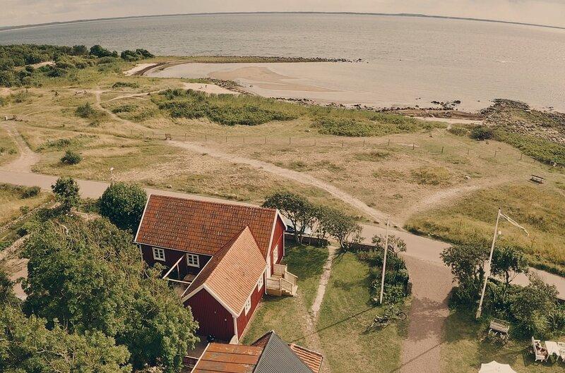 Strandstuga med obruten havsutsikt, vacation rental in Bastad