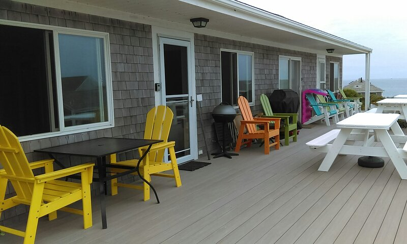 Condo: Ocean View Private Beach w/ Towels, Linens, Bedding and Air Conditioning, holiday rental in North Truro