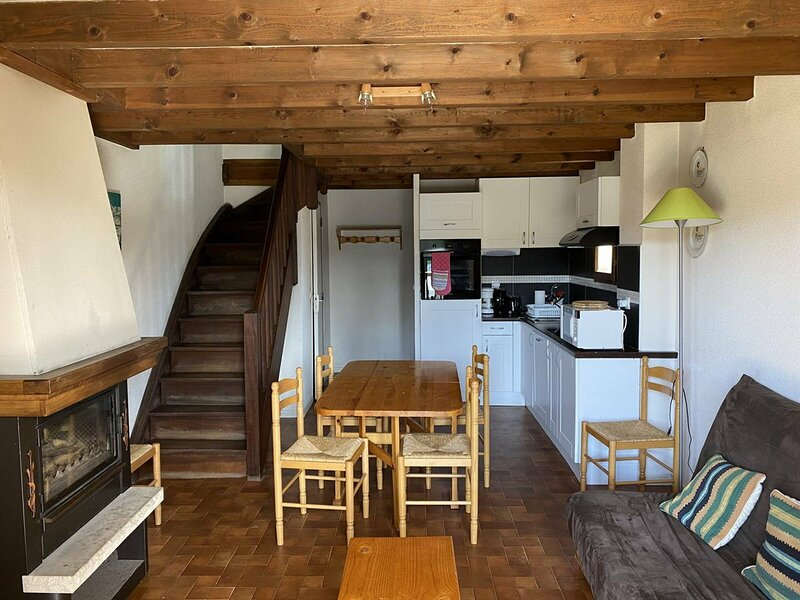 CHALET 6 couchages FORMIGUERES, holiday rental in Puyvalador