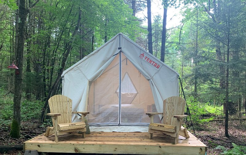 Tentrr Signature Site - Little Sprite Retreat, holiday rental in Fort Plain