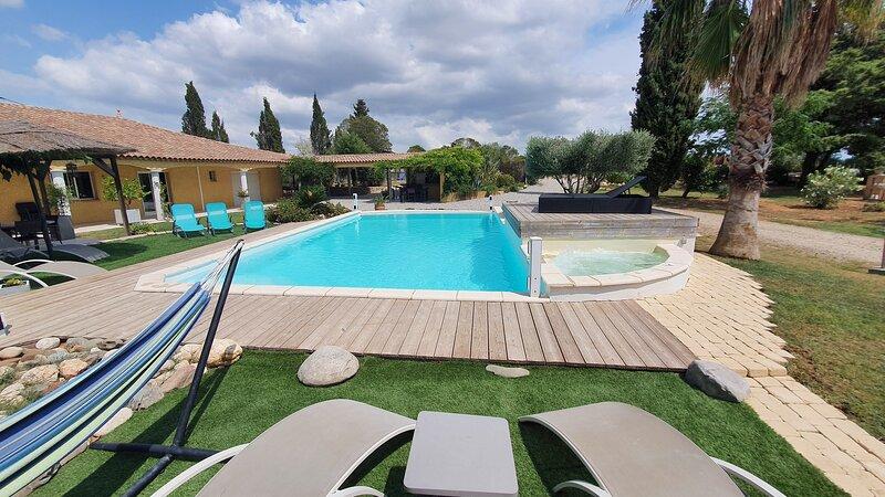 Big villa with swimming-pool & Wifi, Ferienwohnung in Béziers