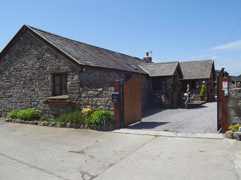 The Willows, holiday rental in Penclawdd