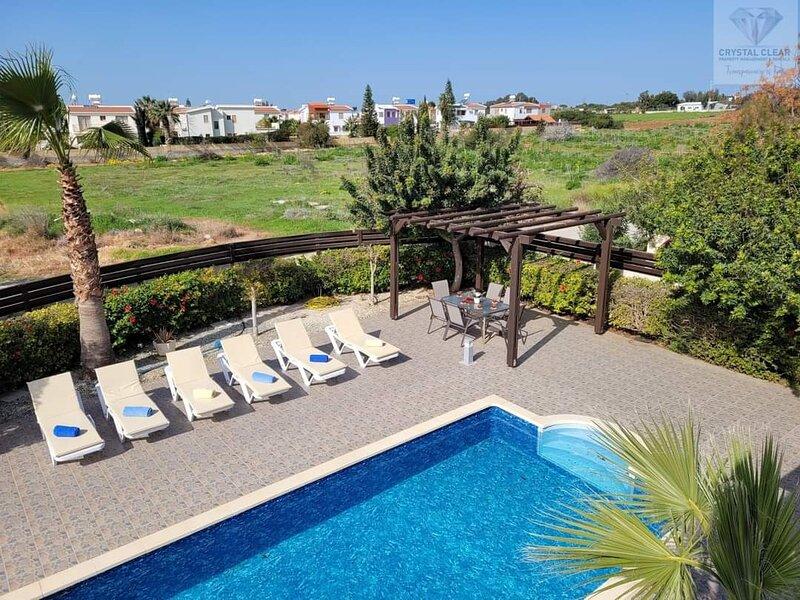 Villa Edwards, holiday rental in Frenaros