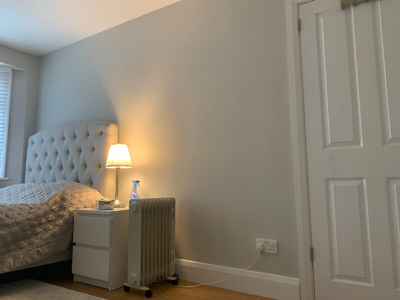 Immaculate 4 bedroom house,  Near central London, vacation rental in Stanmore