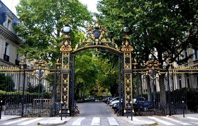 A 230SQM HAUSSMANN JEWEL ON THE CROWN OF CHAMPS ELYSEES, holiday rental in Clichy