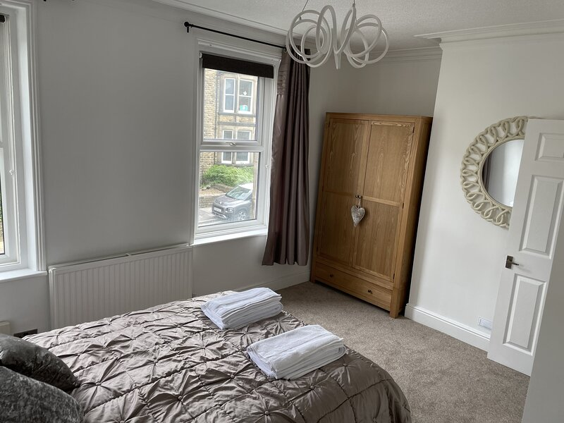4 Bed room Victorian Terrace in Harrogate Town Centre, location de vacances à Killinghall