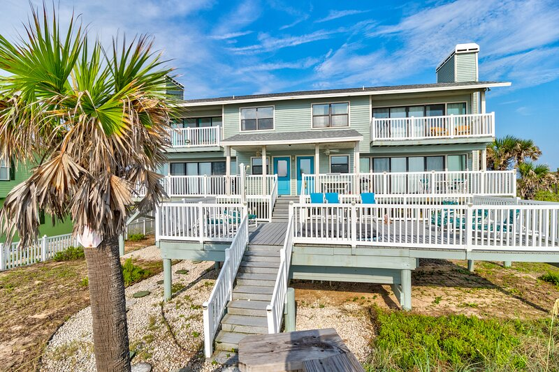The Tipsy Turtle Meets The Funky Pelican, vacation rental in Marineland