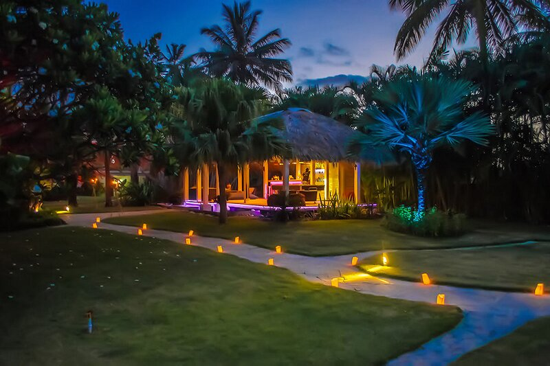 Luxurious hotel room on sandy beach, location de vacances à Gaspar Hernandez