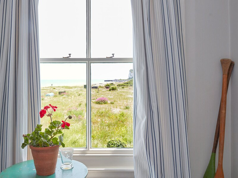 Boho-chic bolthole on the beach - Mariner's Cottage, holiday rental in St Margaret's Bay