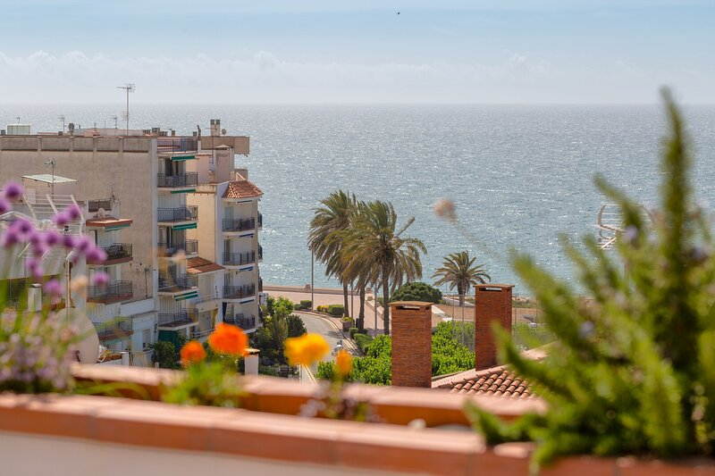 Property with classic style only 200m beach with parking, casa vacanza a Sant Pol de Mar