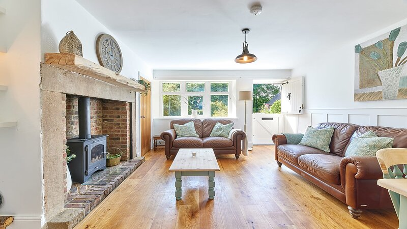 Waterleap Cottage, holiday rental in Horsley