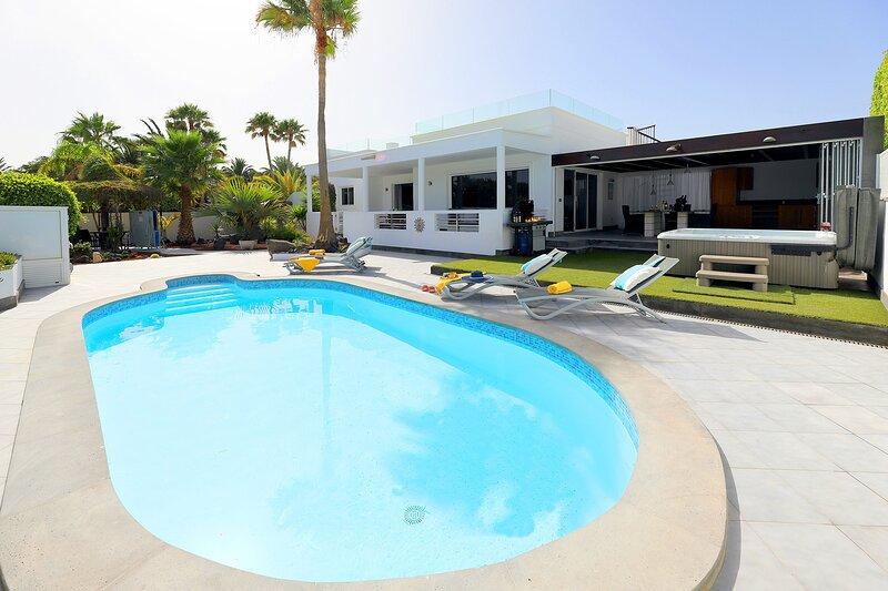 Alegria - Modern 3 bed in Calero, alquiler de vacaciones en Puerto Calero